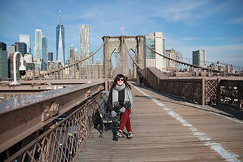 garaine at brooklyn bridge