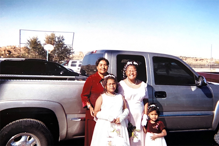 sydnee yazzie with family